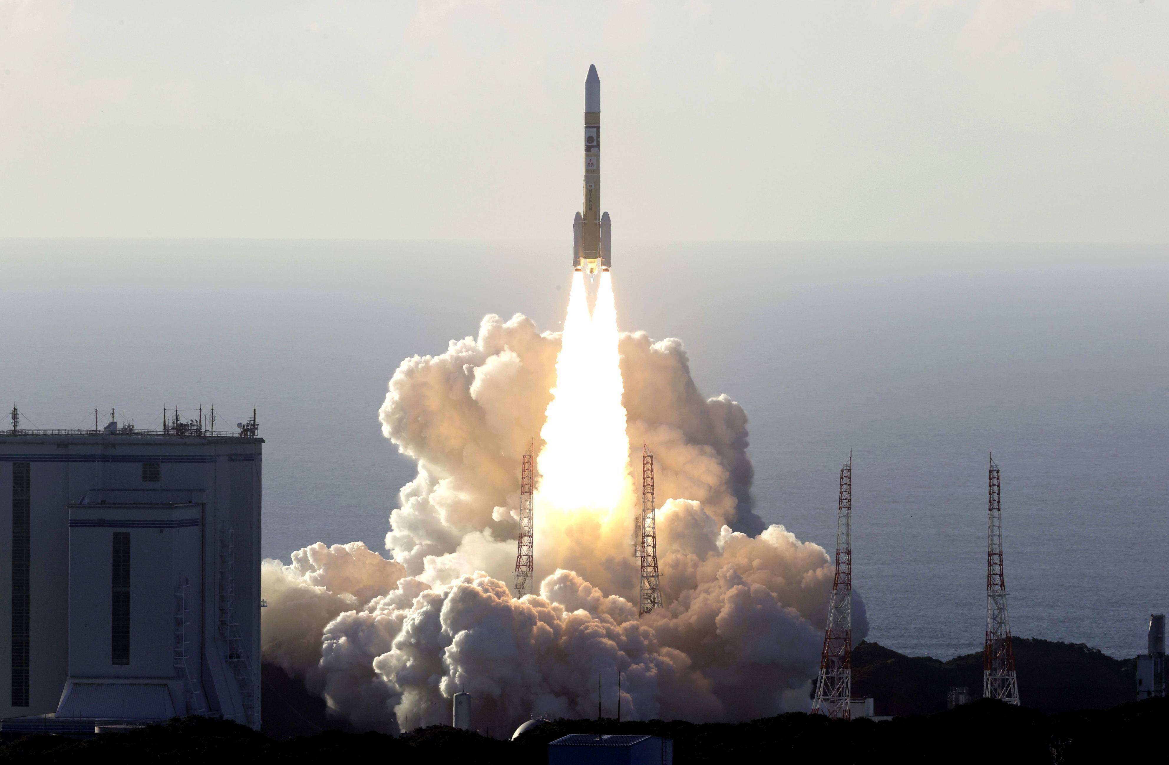 Vereinigte Arabische Emirate (VAE) schießen Sonde zum Mars
