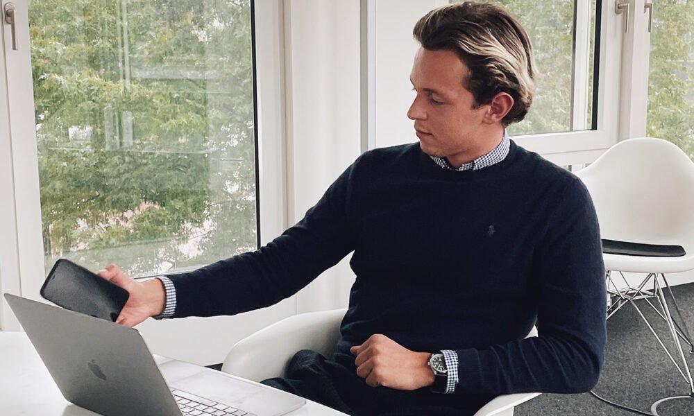 Julius Loewenstein – im Interview über seinen Erfolg in der Buchbranche